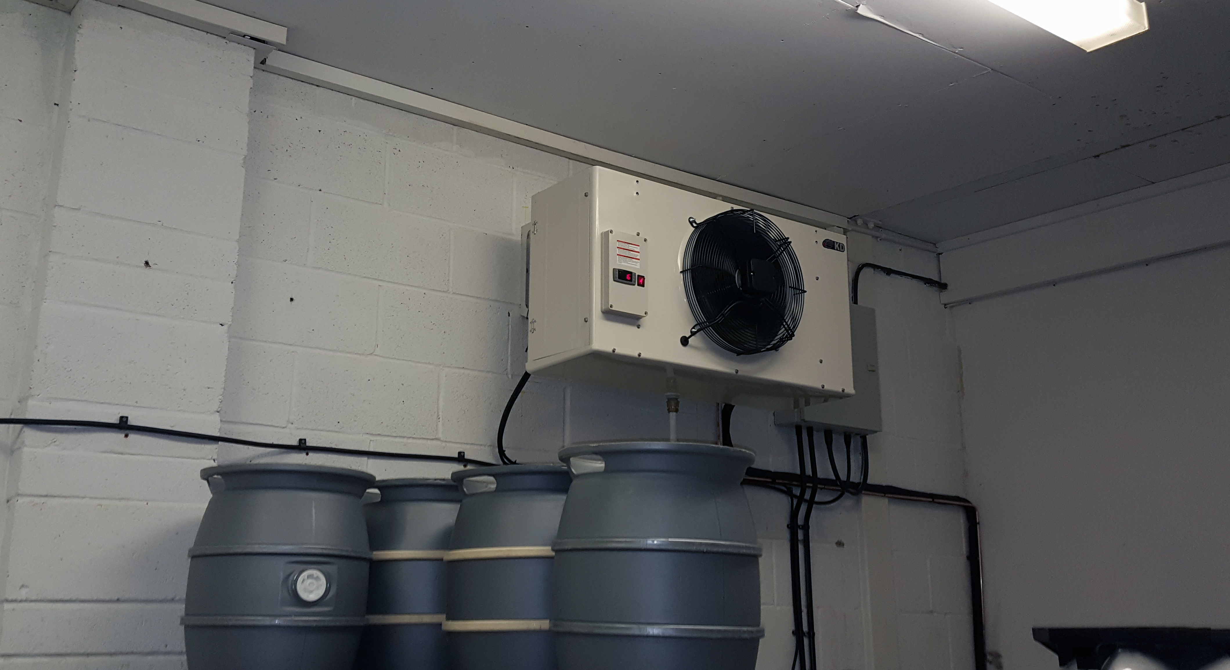 Large Indoor Cellar Cooling Micro Brewery